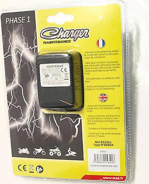 vue chargeur mainteneur de charge batterie 12 volts