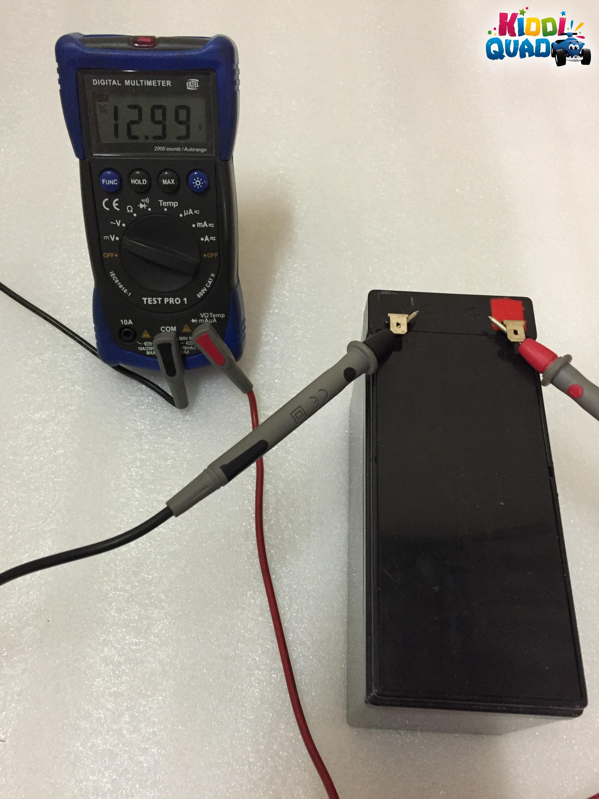 tester batterie 6volts 12 volts voiture lectrique enfant blog kiddiquad. Black Bedroom Furniture Sets. Home Design Ideas
