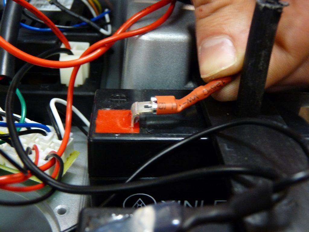 brancher voiture électrique pour enfant 12 volts