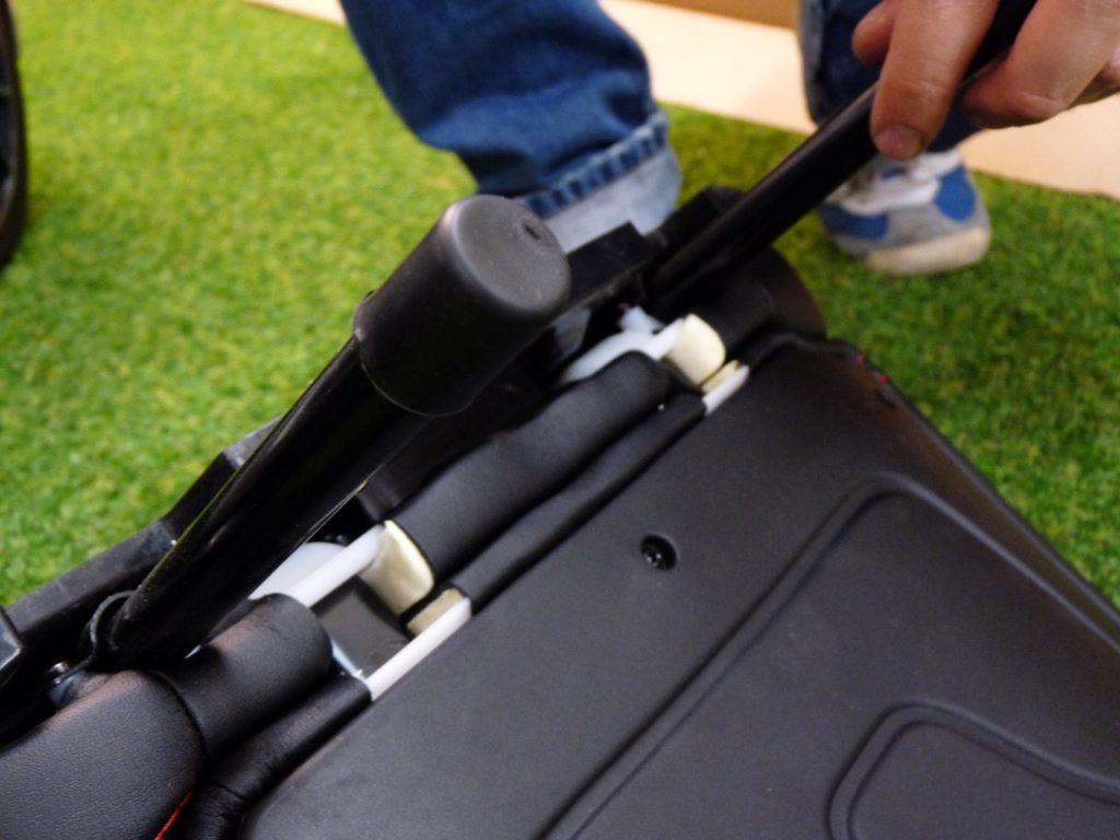 monter voiture électrique 12v pour enfant