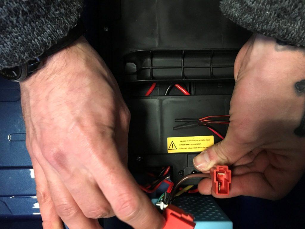 brancher batterie monster truck